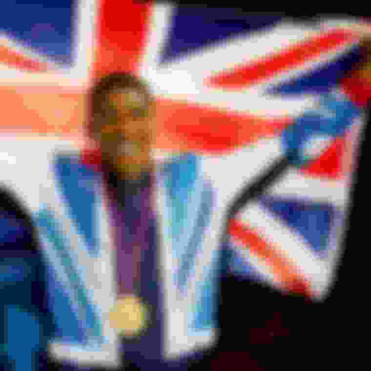 Joshua gets gold medal in men's super heavyweight boxing in London 2012