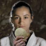 コソボに歴史的なメダルをもたらしたマイリンダ・ケルメンディ