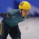 Steven Bradbury aproveita acidente e patina para o ouro