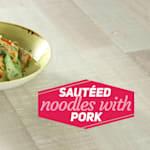 Sautierte Noodles mit Schweinefleisch