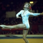 Olga Korbut holt Medaillen in München 1972