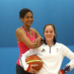 Sports Swap: Basketball vs Trampoline avec Emmeline N'Dongue & Kat Driscoll