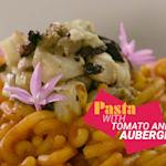 Pasta mit Tomaten und Auberginen