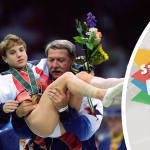 Kerri Strug shrugs off injury to clinch gold for USA
