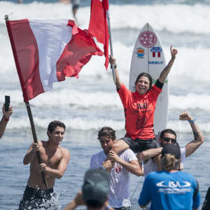 Sofia Mulanovich wins women's title. Credit Ben Reed
