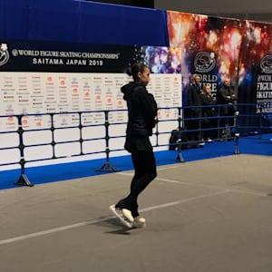 Alina Zagitova warmup