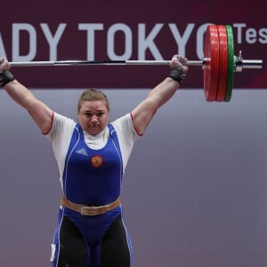 Russia's Tatiana Kashirina on her way to second place in the +87kg class at the Tokyo 2020 test event