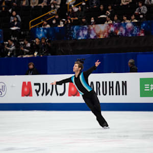 Jason Brown practices in Saitama