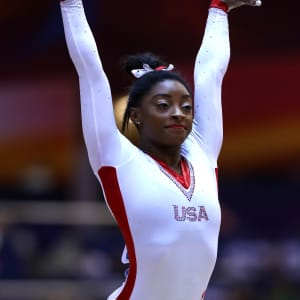 Simone Biles salutes during the vault final at the 2018 Worlds