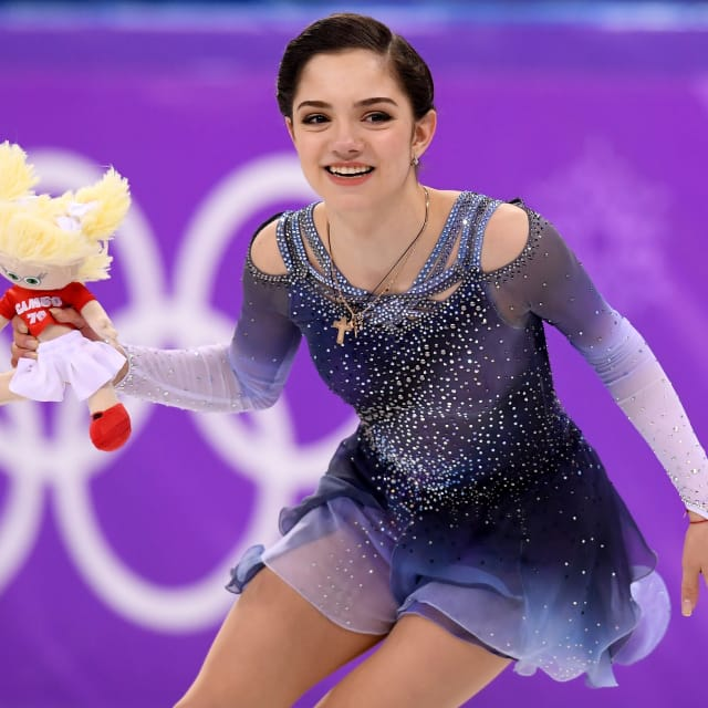 Evgenia Medvedeva victorious in Russia to keep hopes of World Championship appearance and third gold alive