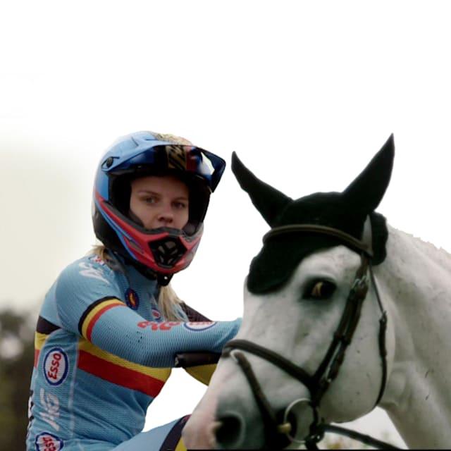 Sports Swap: BMX小轮车vs马术,埃尔克·范霍夫和丹尼尔·布鲁曼角色互换