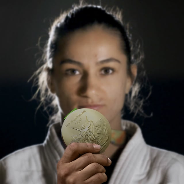 马琳达·凯尔门迪历史性奖牌令科索沃在奥运地图上留名
