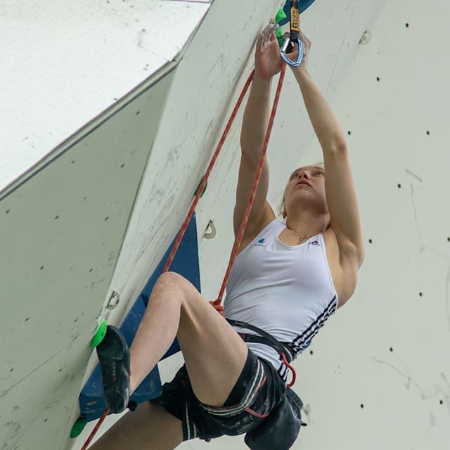 Janja Garnbret s'assure un troisième titre mondial en difficulté