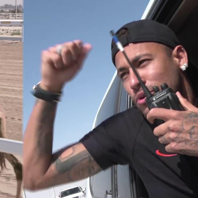 Neymar vence corrida de camelos no Qatar
