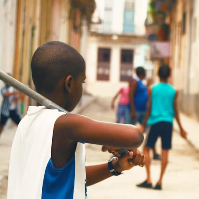Cuatro Esquinas: The basics of street baseball in Havana