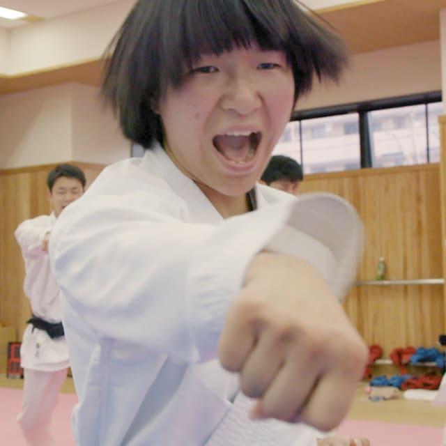 Programa de karatê universitário prepara futuras estrelas Olímpicas do Japão