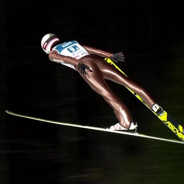 스토흐, 스키 점프 월드컵 개막전에서 폴란드의 단체전 우승 견인