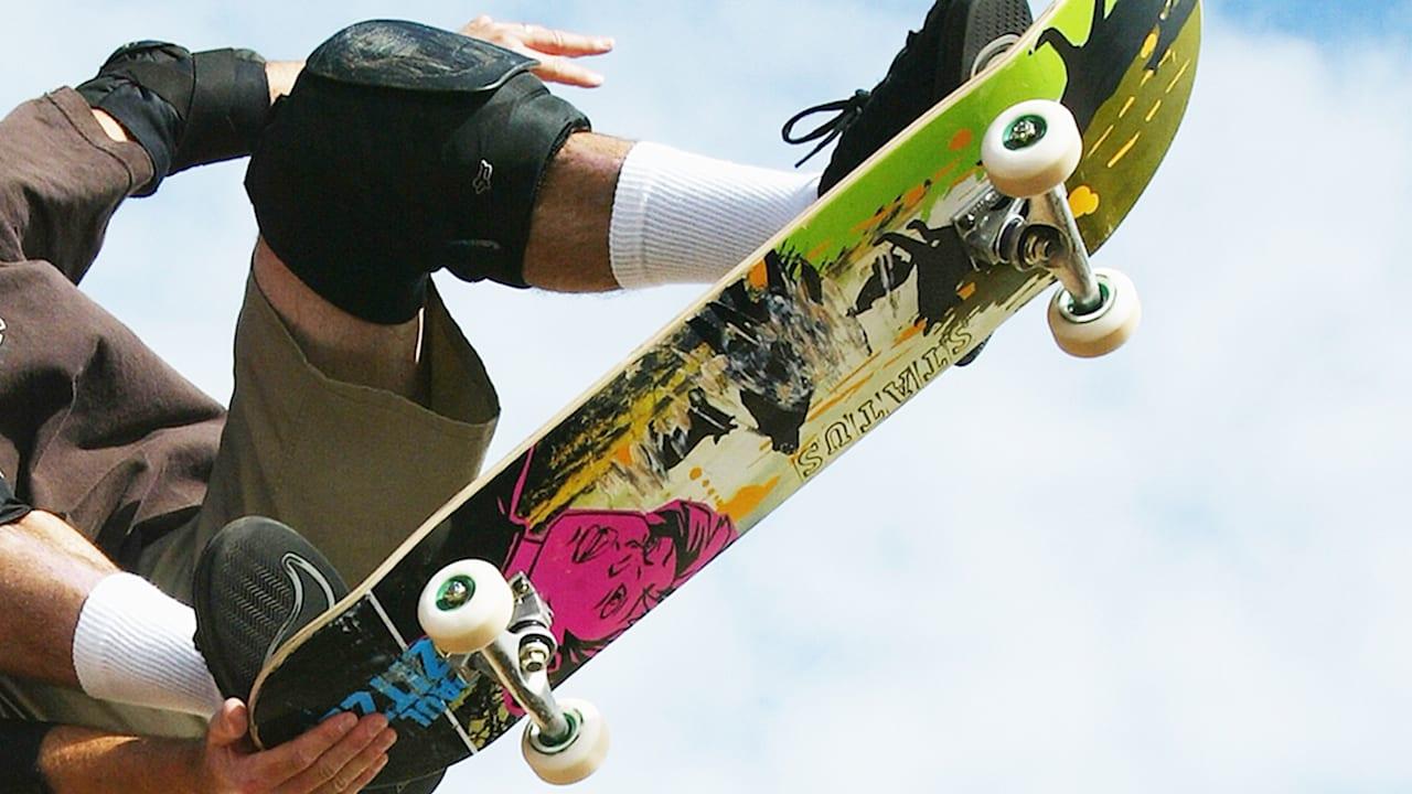 スポーツラボ:スケートボードの華麗なるトリック