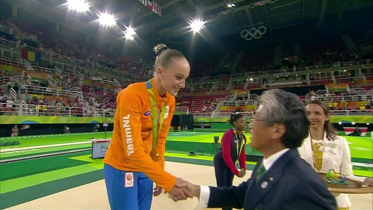 Wevers wins Women's Balance Beam gold