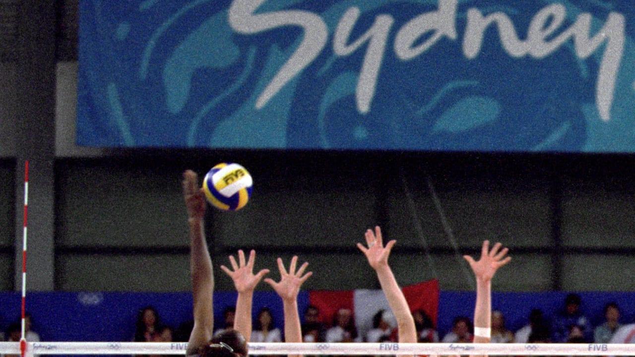 ケニアの女子バレーボールチームがクロアチアから1セット奪取