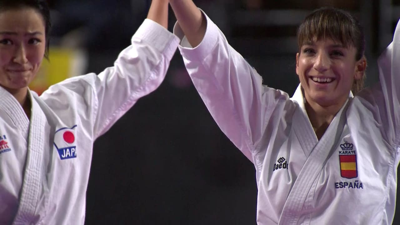 Sandra Sanchez claims first world title on home soil