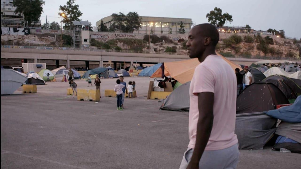 ボート金メダリストのシズウェ・ヌドルブがギリシャの難民キャンプを訪問