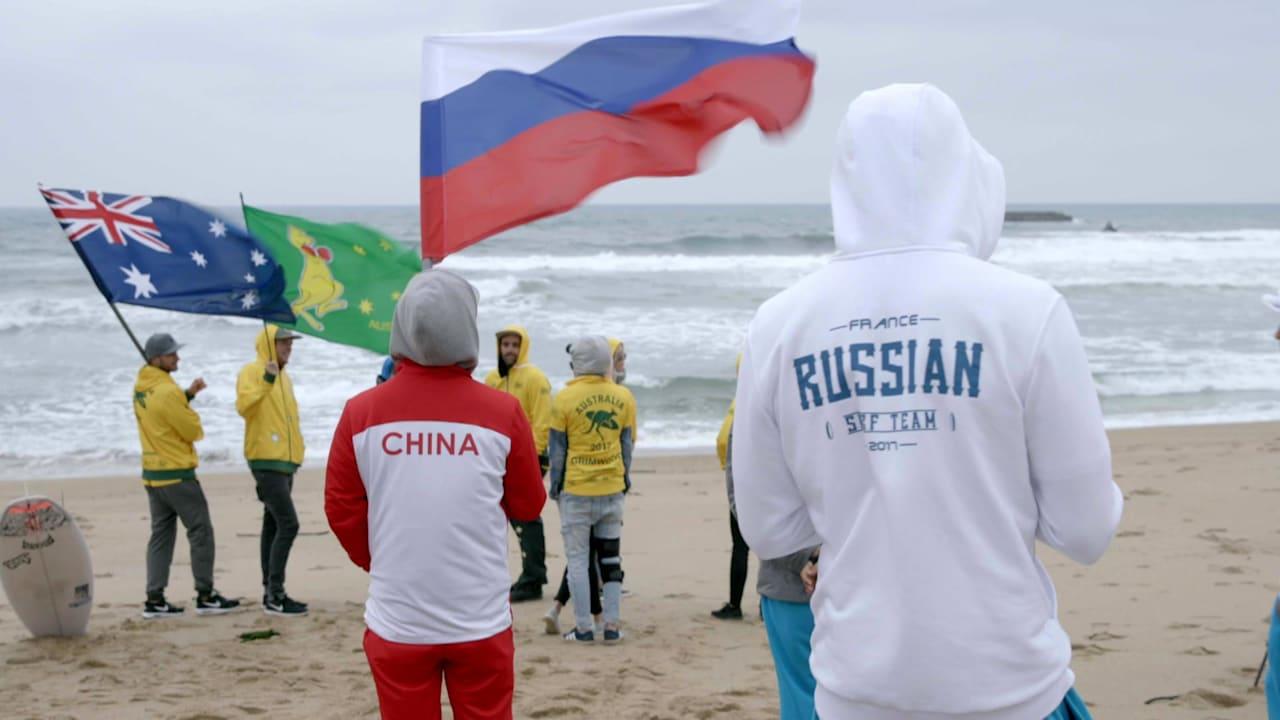 オリンピック出場を目指すサーファーたち