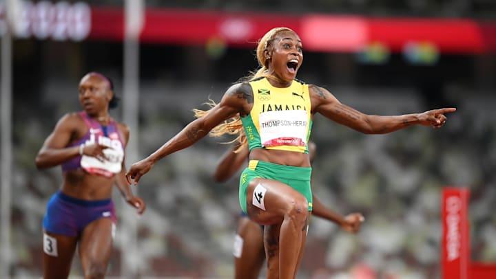 Elaine Thompson-Herah vince l'oro dei 100m piani femminili a Tokyo | 2020.