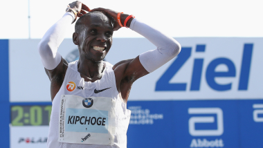Sehen Sie wie Eliud Kipchoge den Marathon-Weltrekord bricht