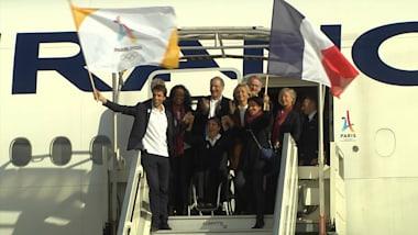 파리 올림픽 유치팀, 기쁨의 귀국
