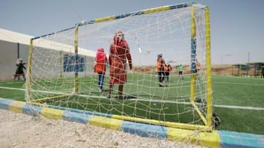Zaatari: Football brings joy to refugee girls thanks to a gung-ho Syrian mum