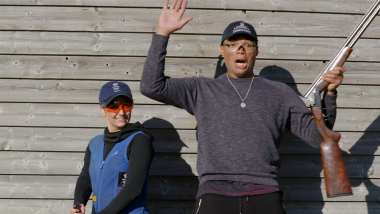 Sports Swap: 복싱의 조 조이스 vs 사격의 앰버 힐