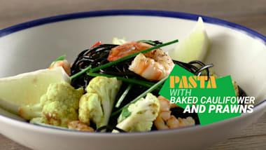 Pasta with baked cauliflower and prawns