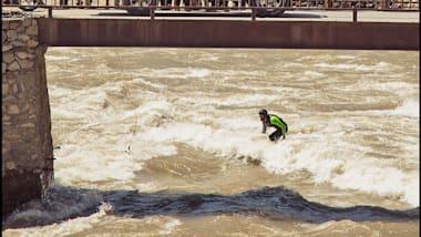 월드 서핑 게임즈에서 족적을 남긴 아프간의 아프리둔 아무