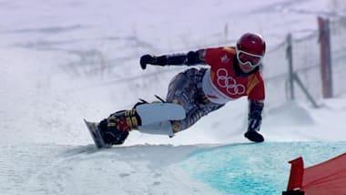 莱德卡击败约尔格赢得女子平行大回转金牌 | 单板滑雪
