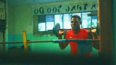 Weigh Training: Lifting car batteries in a Cuba gym
