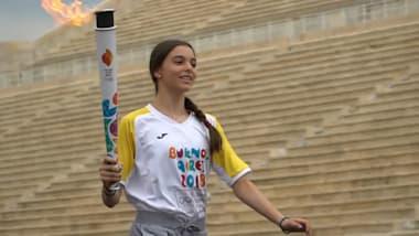 الشعلة الأولمبية تستهل مسيرتها إلى بوينوس آيرس