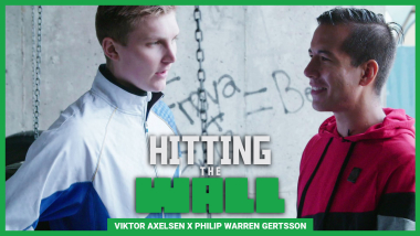 Viktor Axelsen bedazzles @PWGFreestyle with his badminton