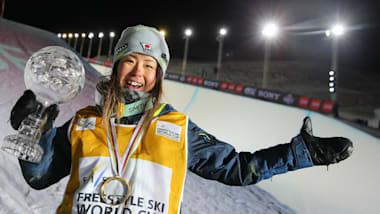 ソチ五輪フリースタイルスキー銅メダリスト小野塚彩那が引退を表明