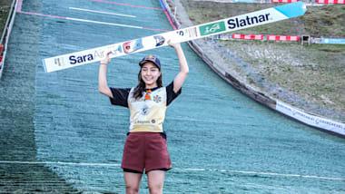 高梨沙羅、夏季のグランプリジャンプ女子で個人2連勝を飾る