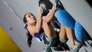 スポーツクライミング世界選手権:女子複合予選のボルダリングは野口啓代が4位