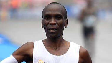 【マラソン】世界記録保持者キプチョゲが2時間切り挑戦に成功、1時間59分40秒
