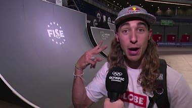 Wie feiern Sie Olympiagold? Skateboarder verpasst sich neuen Haarschnitt!