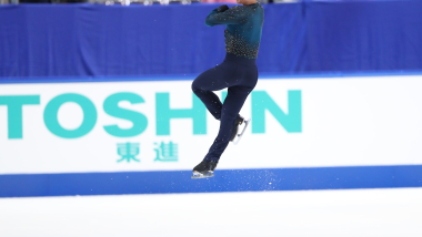 Shoma Uno clinches Japanese title despite struggling with injury