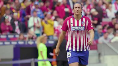 هذه النجمة الإسبانية تتخلى عن كرة القدم لتصبح طبيبة