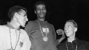 Bikila runs barefoot and wins marathon
