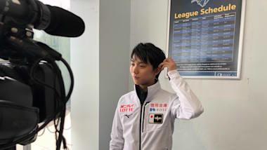Yuzuru Hanyu overcomes early fall to win Autumn Classic short program