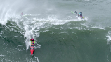 Big Wave Paddle vs Tow