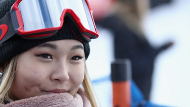 Клои Ким выигрывает первый турнир сезона в хафпайпе