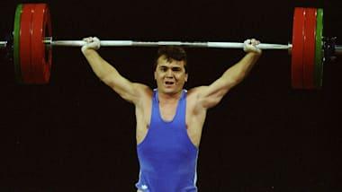 El Hércules de Bolsillo levanta 187,5kg | Atlanta 1996
